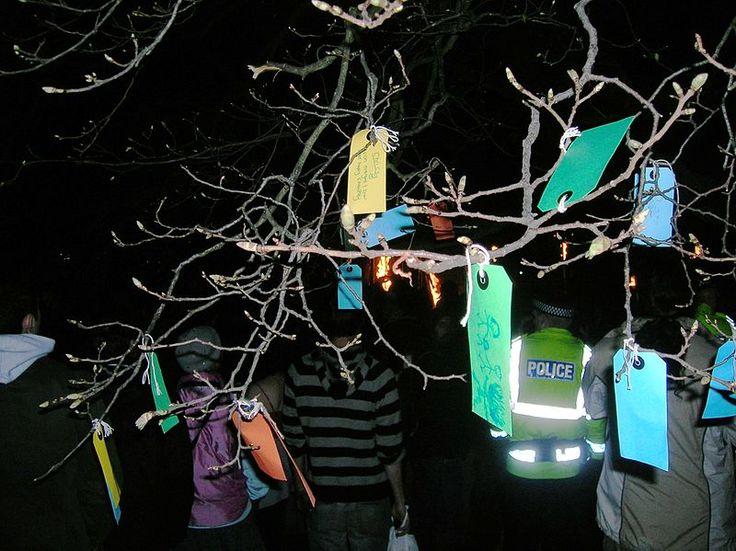 10 best rbol de los deseos images on pinterest the hague wish tree wikipedia fandeluxe Images