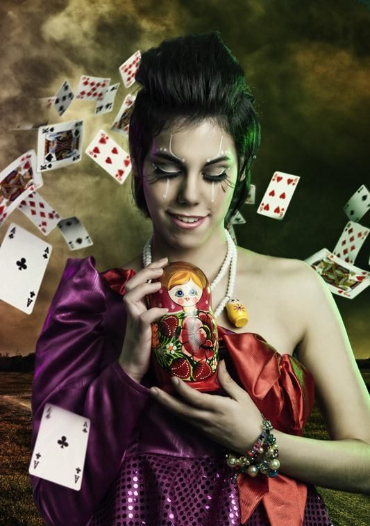 As you probably already know, online casinos want your business and are willing to give some hefty online casino bonuses to get you to try them out.