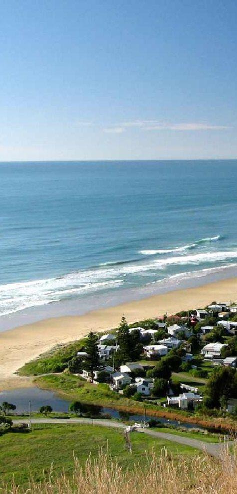 The roadside Ocean Beach overlook - Hastings District, Hawke's Bay, New Zealand