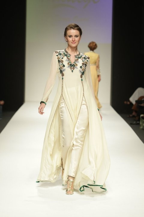 India Fashion Week: Dubai Fashion Week Spring / Summer 2011 -Part 2/3