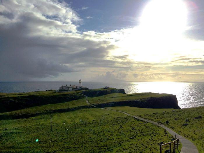 Faro Neist point Skye Viajar Euroresidentes
