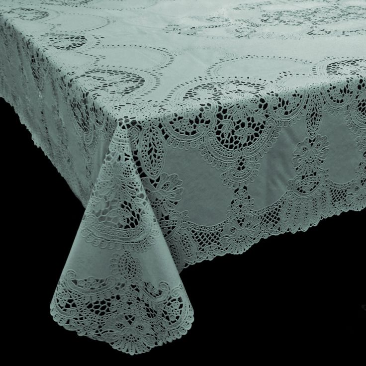 Vinyl Crochet Tafelkleed Zeegroen - Leuk crochet tafelkleed met gehaakte kanten effect in zeegroene kleur. Dit vinyl tafelkleed is perfect voor buiten. Het tafelkleed geeft een sfeervolle uitstraling aan tuin, terras of balkon en valt soepel om je tafel heen. Ideaal voor gebruik in de zomer en makkelijk afneembaar met een vochtige doek. Het is antislip en weerbestendig. Het vinyl crochet tafelkleed is beschikbaar in verschillende kleuren en maten. Uiteraard zijn deze romantische…