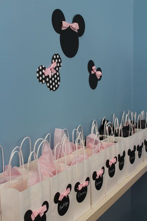 32 Sweet and Lovable Minnie Mouse Party Ideas
