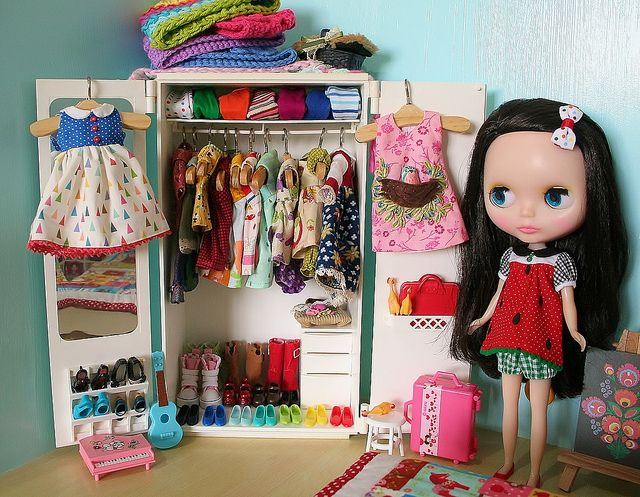 Today I fitted out the girls' wardrobe in our Blythe bedroom with all of the outfits I've bought for them over the last few weeks. Our new wubba chickens have taken up residence in our wardrobe too! Cheeky things! We have a few collections going on h Dress making at its neatest times! #dess making #dresses #make a dress