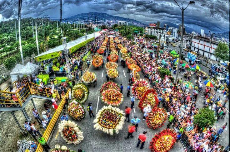 Desfile de silleteros...el alma de la Feria de las flores, Medellin, 11 Agosto, 2013