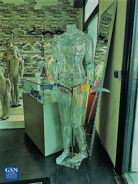 Manichino uomo in resina trasparente, unico pezzo d'esposizione.....solo per intenditori #gsnsolopernumeriuno#