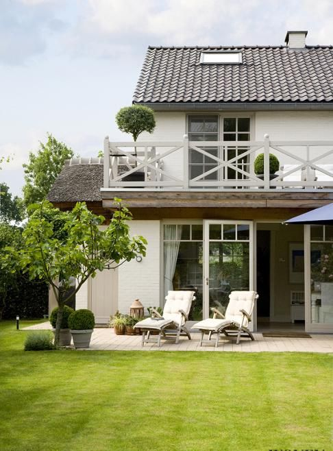 "Lovely house ! From the magazine ""Wonen Landelijke Stijl"", via rtl woonmagazine. Photo credit : Dorien Ceulemans."