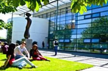 Many international students aspire studying in USA universities and colleges but find it difficult to tackle with the costs involving tuition fees and accommodation. Here is a list funding programs to help you with.
