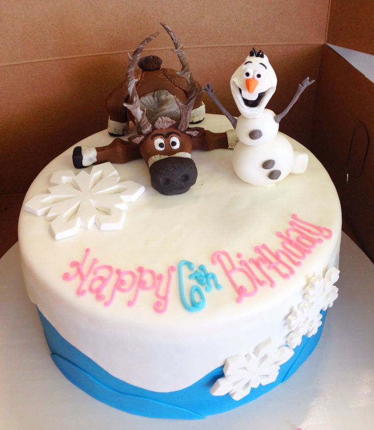 Frozen cake with Sven and Olaf for a Disney Princess birthday party