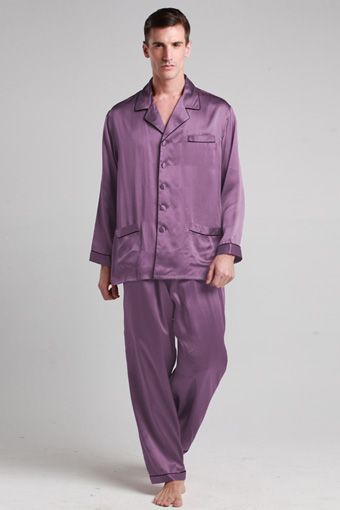Thousands upon thousands of sumptuous silk threads are woven together to make this gorgeous silk pajamas amazingly soft and luscious. Carefully design give this silk pajamas an impeccably tailored look yet ensures a relaxed fit.
