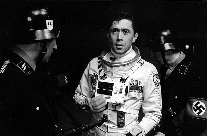 「Zítra vstanu a opařím se čajem」    監督:オルドリッチ・リプスキー(Oldřich Lipský)、1977年 #Roboraion #czech #art #culture #movie #film #comedy #sci-fi