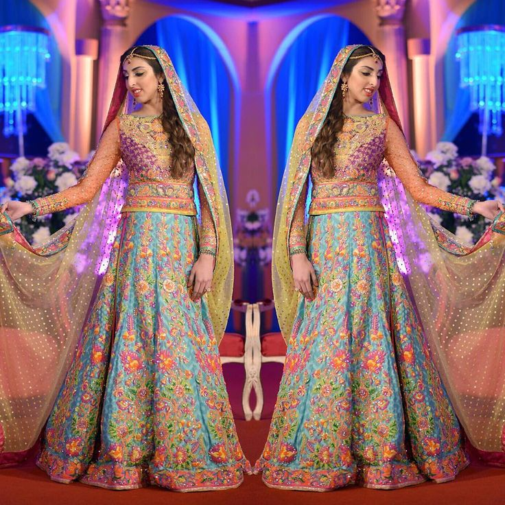 """Gorgeous Mehndi Bride Soha Zubair wearing a Colorful Nomi Ansari signature Ensemble at her Mehndi in Karachi. #sohazubair #arywedding…"""