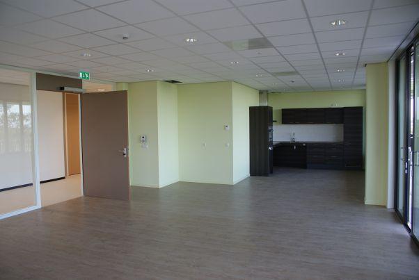 Onderrijdbare keuken - Nieuwbouw Zorgcentrum Berchhiem te Burgum - Reitsma Drachten