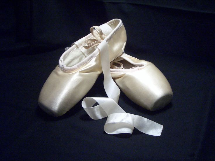 Ballet Shoes,Ballet pointe: Point Shoes, Fashion Shoes, Ballet Dancers, Shoesballet Girls, Ballet Shoesballet, Black White, Shoesballet Fashion, Life Goals, Girls Shoes