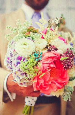 Beautiful colors. #bridal #bouquet