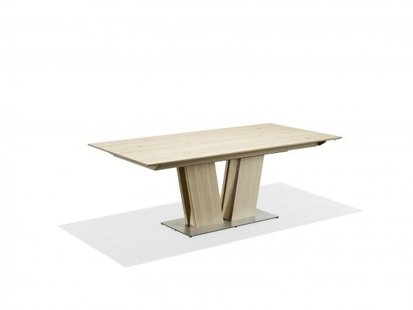 Skovby Dining Table With A Very Characteristic Design   Seats Up To 14  People