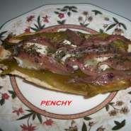 Tosta de pimiento italiano, queso de cabra y anchoas gratinada