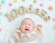 お宮参り、100日記念、ハーフバースデーなど赤ちゃんのはじめてでHAPPYなベビーフォトを大阪・堀江のフォトスタジオ、ハピスタで撮影しましょう。