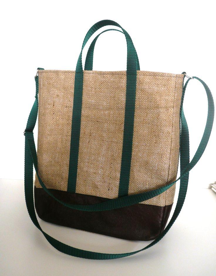 Sac shopping avec bandoulière en sac de café recyclé et application cuir : Sacs bandoulière par k-chik