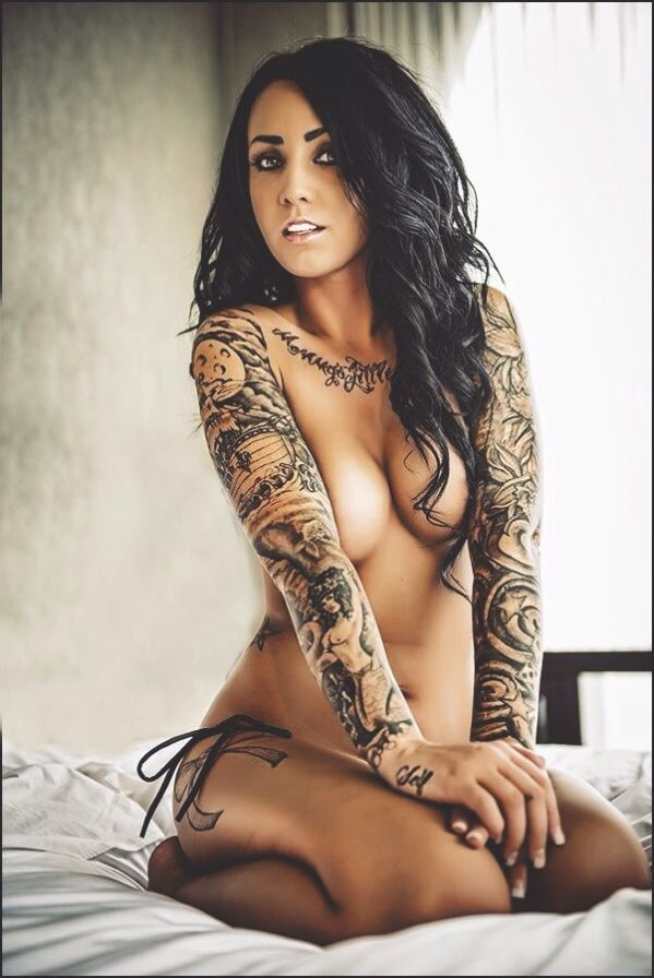 Naked sexy chicks with tattoos