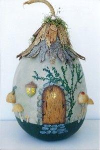 Bark-roofed Cottage Gourd