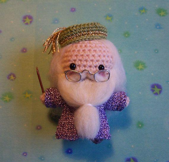 ALBUS DUMBLEDORE Harry Potter Muggle Hexe Assistenten Amigurumi Häkeln Puppe Garn Kawaii Halloween Art Puppe Mischtechnik Hogwarts Schulleiter