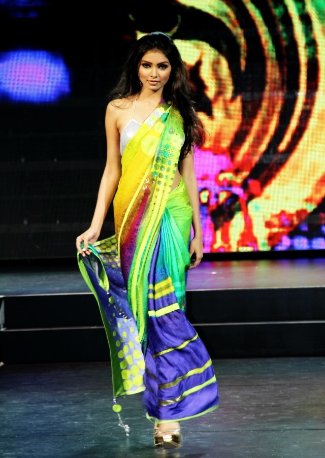 Scarlet Bindi - South Asian Fashion: Satya Paul Fashion Show: TOIFA Vancouver