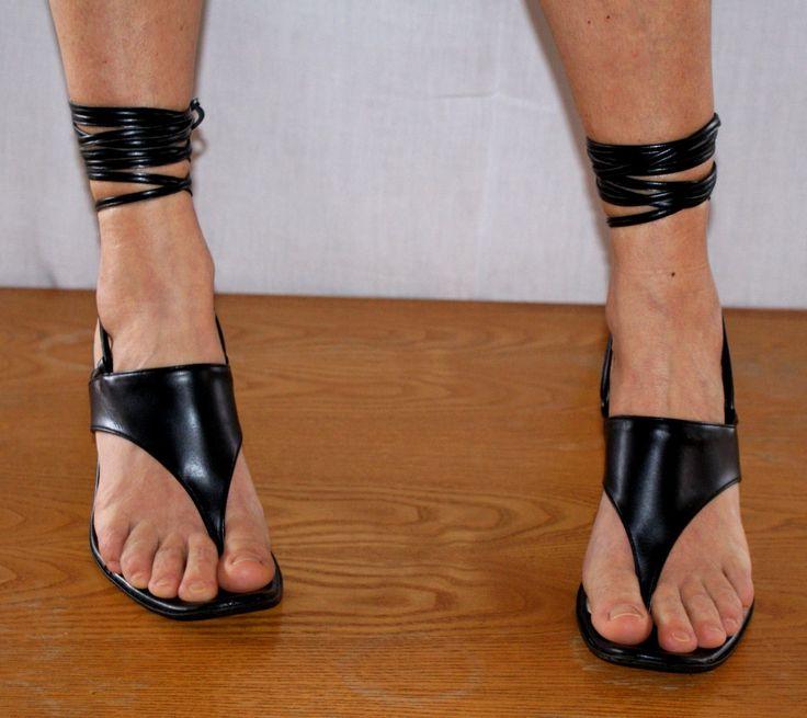 Elegant&Sexy High Heel Black Sandals All Leather Made in Italy UK 5 JULIA Sandali Infradito Donna Neri in Pelle Lacci Tacco Spillo Misura 38 di BeHappieWorld su Etsy