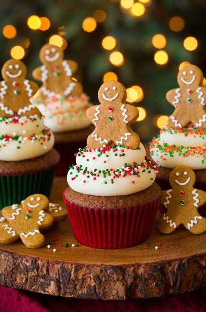 Gingerbread Cupcakes with Cream Cheese Frosting   Deliciosos cupcakes para esta navidad de galleta de gengibre!