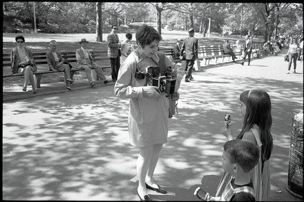Review: Arthur Lubows Diane Arbus Biography Recalls an Underworld Voyager