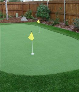 Durability is also an important thing to look for in an golf putting mat. A savvy customer must make sure that the putting green, after a while, will not curl on the edges and will not crease in the middle. Good putting greens are highly durable and should be able to last from 10 to 15 years. Many give 10- or 15-year warranties, as professional synthetic turf manufacture, we give out lifetime warranties for online products.
