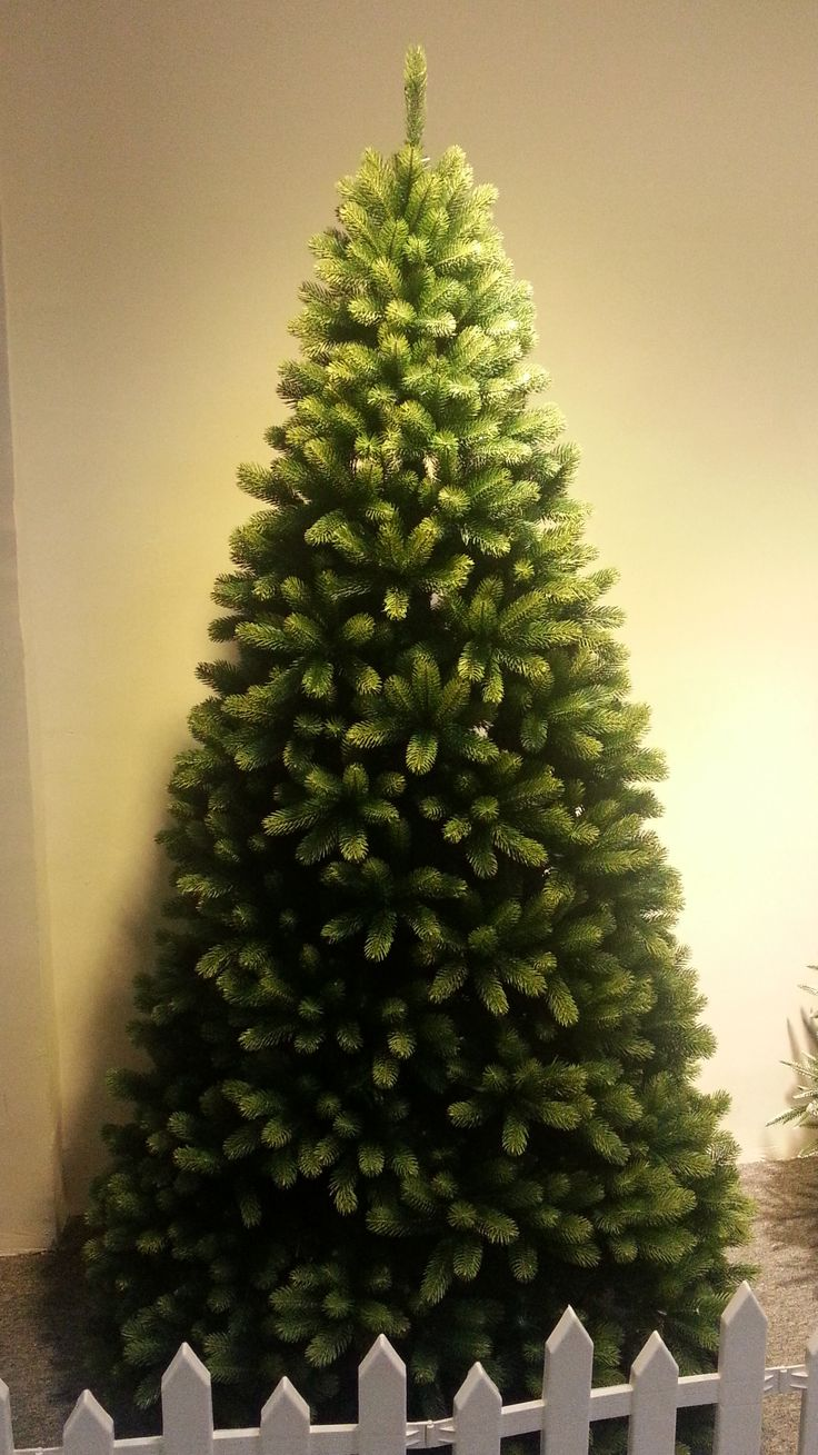 1000 ideas about 12 ft christmas tree on pinterest for Best looking christmas tree