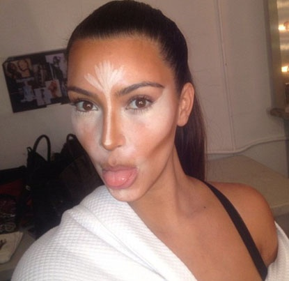 If youre doing a cream contour/highlight like Kim K sometimes does then it's best to do it after your foundation but before powder.  #makeup #tip #highlighting