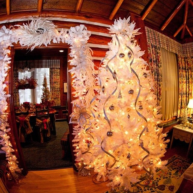1000 images about christmas and new year 39 s at fairmont for Decore hotel jasper