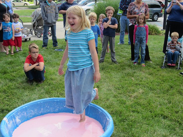 how to make a cornstarch pool