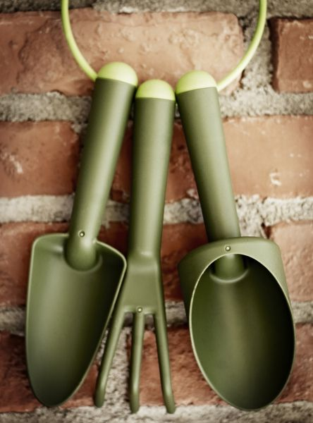 99 best images about gardening on pinterest gardens for Vegetable garden tools