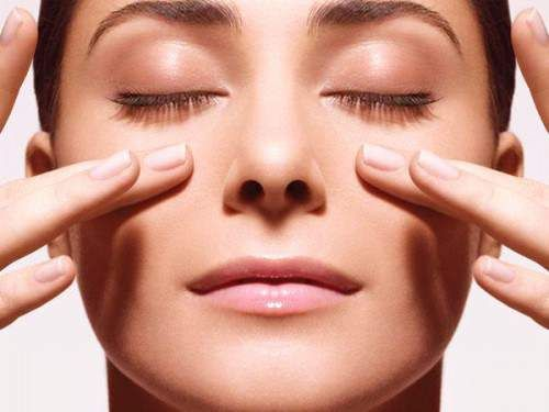 DIY Massages That Reduce Facial BloatingPositiveMed | Stay Healthy. Live Happy
