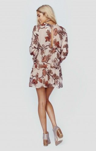 The Santa Rosa Mini Dress by For Love and Lemons comes in their newest in house floral print on a warm silk chiffon fabric. Easy to style, just throw on a pair of boots and your good to go.