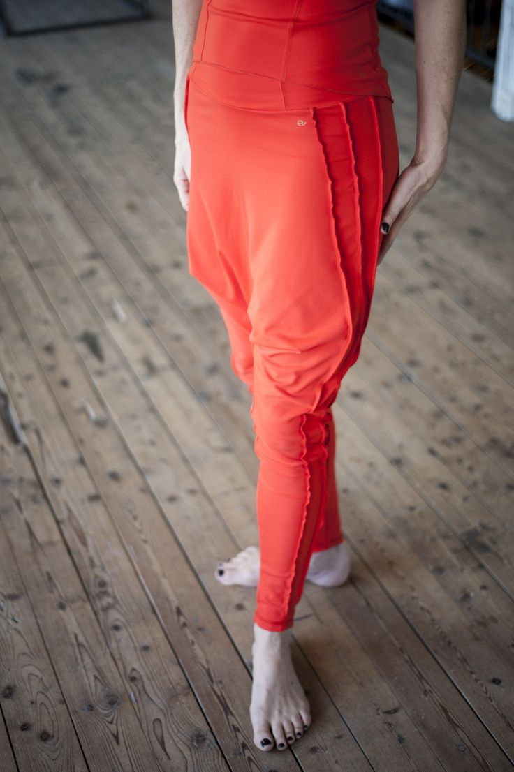 The Ultimate Harempants , gives space to where it's needed STYLE: Robin in bllodorange colour