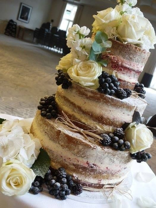 Naked cake-- wow this one is really pretty