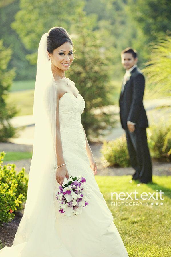 wedding pose-groom slightly turned more to camera