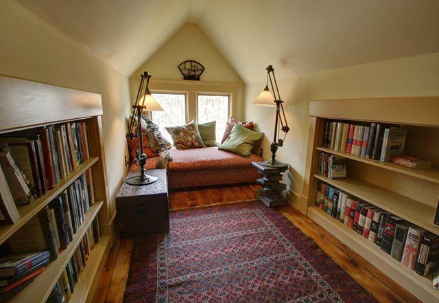 Kendinizle başbaşa kalmak, huzur içinde kitabınızı okumak, belki bir fincan çay içmek. Evinizde bir çatı katınız varsa, onu böyle dekore etmek güzel olmaz mı?  #dekorasyon