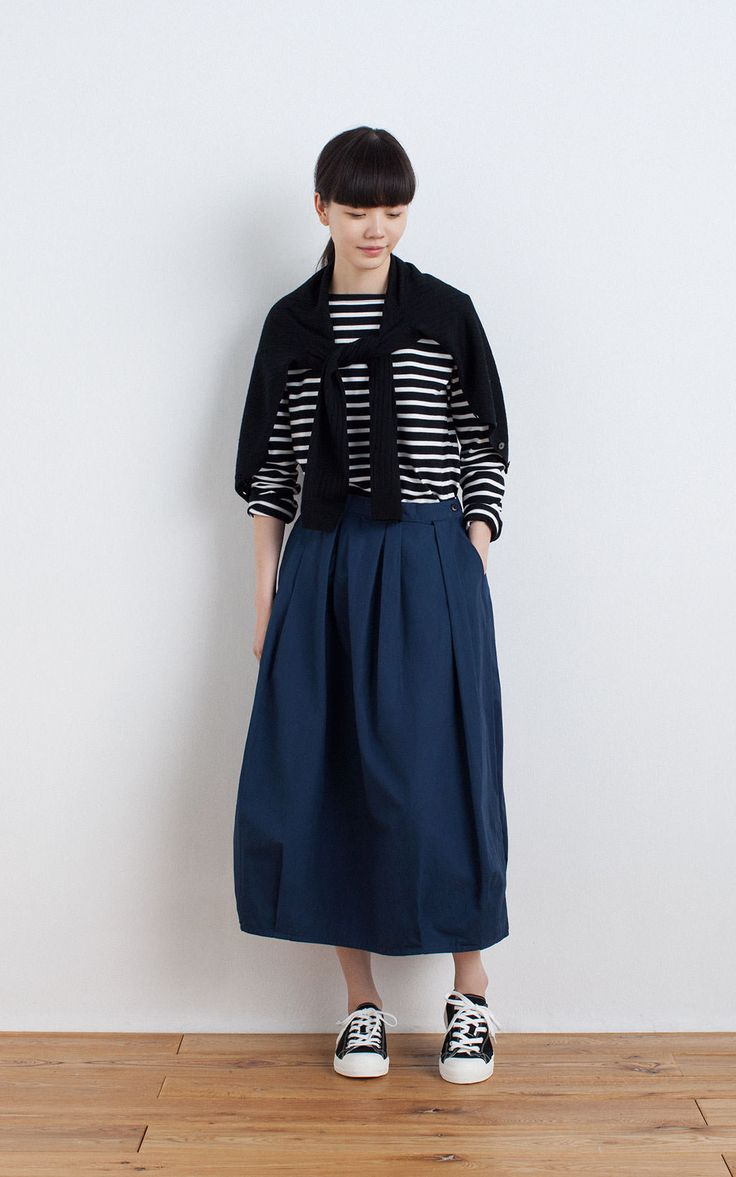 MUJI | OGC WIDE COUNT T SHIRT(BORDER) | OGC DUMP EASY BALOON LONG SKIRT | WATER REPELLENT ORGANIC COTTON SNEAKERS