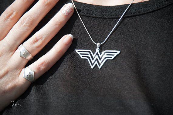 Wonder Woman Pendant,unique pendant,Comics jewelry,super hero jewelry,wonder woman,wonder woman jewelry,super hero jewelry,comics jewelry