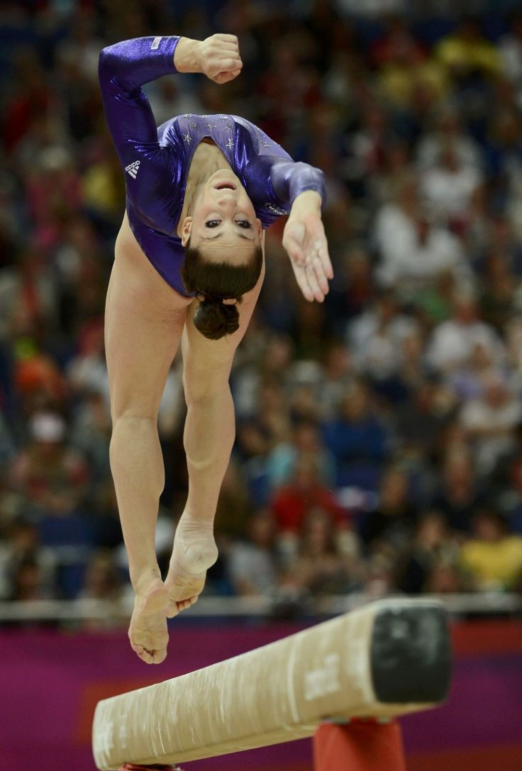 Image forward roll jpg gymnastics wiki - Jordyn Wieber Defending World Champion Was Knocked Out Of The Competition For The All Around Final In The Women S Gymnastics Games At The 2012 London