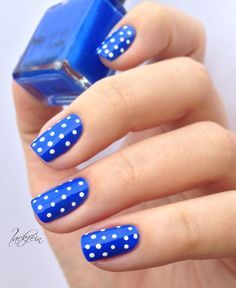 Uñas azules con blanco - Blue Nails with White