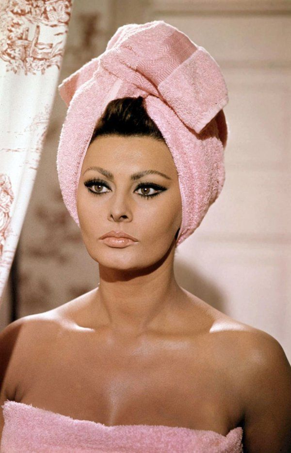 Make up style that is ageless & another one of my absolute favs*sophia loren
