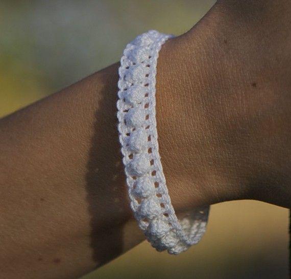 Crochet Bracelet -- Lacy Popcorn Pearls