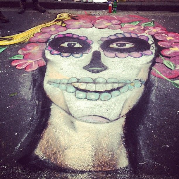 "Very cool street art of Andrea's ""Ruiseñora"""