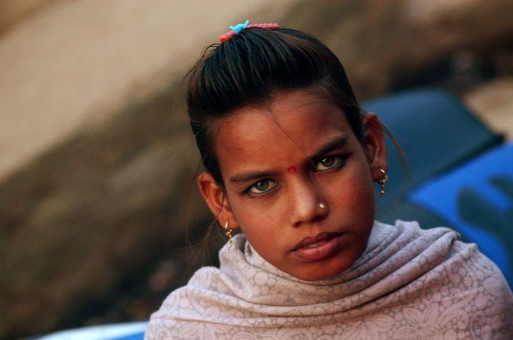 La ragazza con gli occhi chiari: Madha Pradesh India del nord , 2013